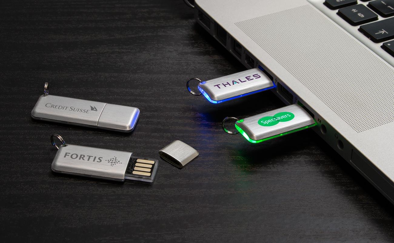 Halo - Memórias USB com Luz LED